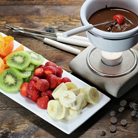 2 Minute Chocolate Fondue