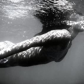 Underwater peace by Marc-Antoine Kikano - Sports & Fitness Swimming ( water, blackandwhite, reflection, monochrome, girl, underwater, sea, swimming )