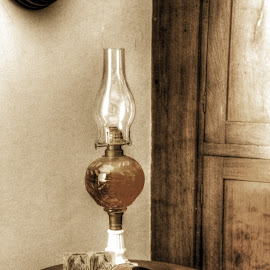 Oil Lamp by Jackie Eatinger - Artistic Objects Antiques (  )