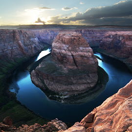 Horseshoe Bend by Vita Perelchtein - Novices Only Landscapes ( water, colorado river, blue, utah, sunset, arizona, bend, canyon, horseshoe bend, colours, grand canyon, horseshoe )