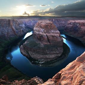 Horseshoe Bend by Vita Perelchtein - Novices Only Landscapes ( water, colorado river, blue, utah, sunset, arizona, bend, canyon, horseshoe bend, colours, grand canyon, horseshoe )