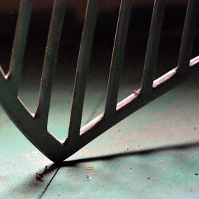 metal by Yanuunay Wibowo - Artistic Objects Other Objects ( metal, sama, line, still, sejajar )