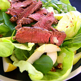 Cinnamon-Rubbed Sirloin Salad with Fresh Pear Vinaigrette
