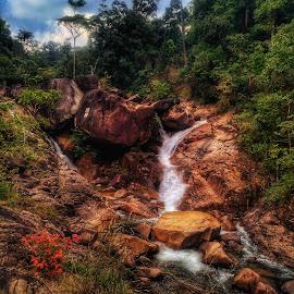 Berkelah waterfall by Mohamad Asyraf Mohd Zaini - Uncategorized All Uncategorized
