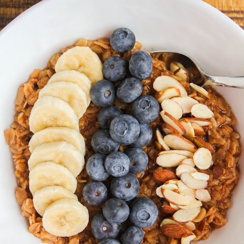 Banana Blueberry Oatmeal Bowl