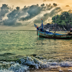 by Charliemagne Unggay - Transportation Boats