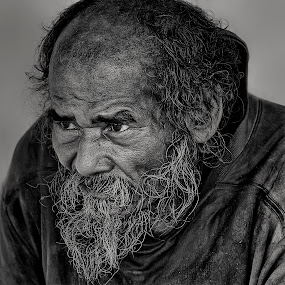 by Charliemagne Unggay - Black & White Portraits & People (  )