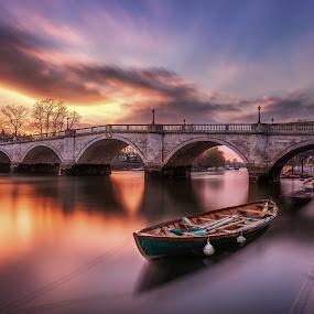 by Richard  Harris - Buildings & Architecture Bridges & Suspended Structures ( uk )