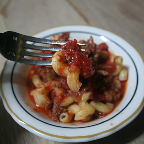 Alex Guarnaschelli's Tomato and Beef Spaghetti Sauce