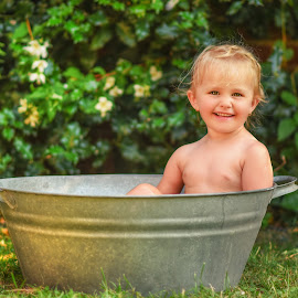 small bathtub by Piotr Owczarzak - Babies & Children Children Candids ( girl, summer, fun, kids, garden )