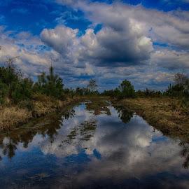 by Edmundo Manuel - Landscapes Waterscapes