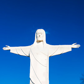Christ of the Ozarks Welcome by Greg Reeves - Buildings & Architecture Statues & Monuments ( great passion play, satues, christ of the ozarks, eureka springs,  )