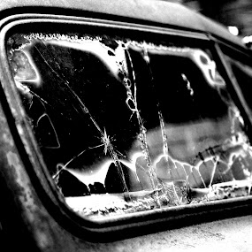 by Justin Dart - Artistic Objects Other Objects ( car, black and white, glass, white, black )