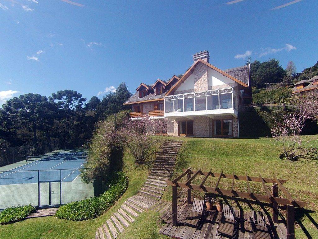 Campos do Jordão - Casa Maravilhosa  Terreno 5.300 m² ÁC 1.000 m² 06 Suítes na Alameda das Pérolas para Venda / Permuta.