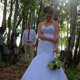 by Susan Swart - Wedding Bride & Groom