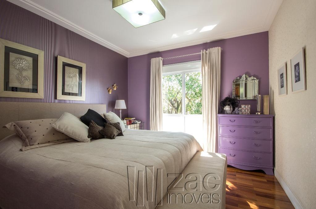 Tranquilidade é viver numa casa em condomínio!