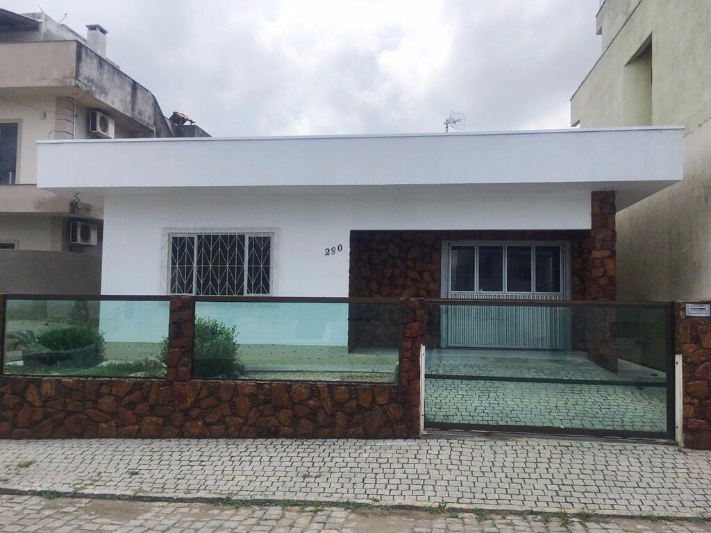 Casa residencial à venda, Centro, Camboriú.
