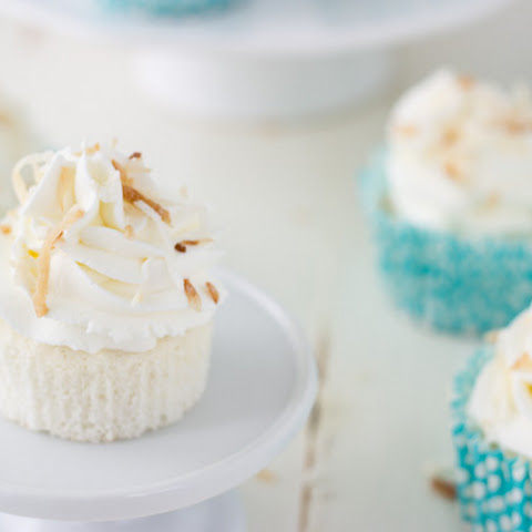 Coconut Angel Food Cake Cupcakes