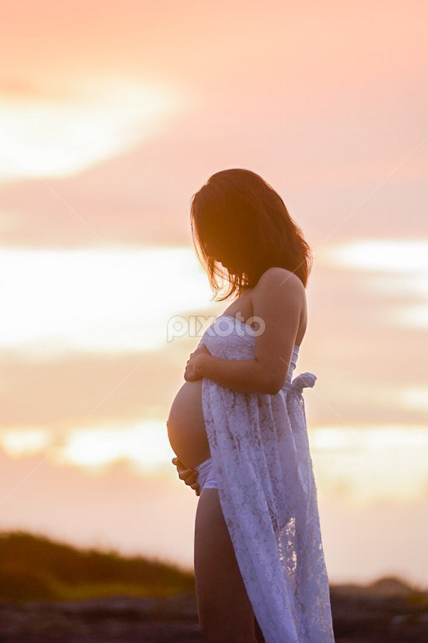 Logan by Carley Reed - People Maternity ( colour, maternity, sky, mother, sunset, pregnancy, beach, motherhood )