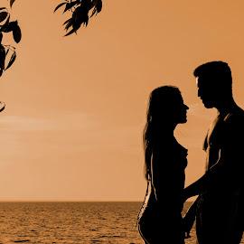 Passion by Rui Santos - People Couples ( amazon, love, barcarena, caripi, brazil, pará, riverside, riverscape, passion, amazônia canon, summer, landscape )