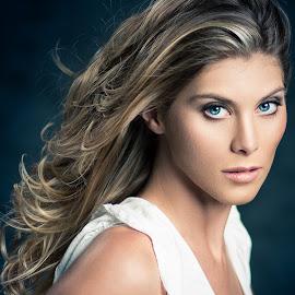 Ashley by Sean Malley - People Portraits of Women ( fashion, model, sexy, blonde, beauty, portrait, eyes )
