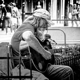 key west guitar player by Lennie Locken - People Street & Candids