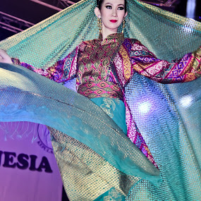 Batik ... by Aldo Pasha Permana - People Fashion ( fashion, woman, indonesia, batik, javanese, unesco )