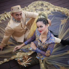 by Edo Slamet - People Couples