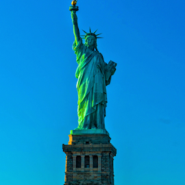 Statue Of Liberty by Joseph Law - Buildings & Architecture Statues & Monuments ( liberty, statue, blue sky, sunny, sunshine, new york, united states )