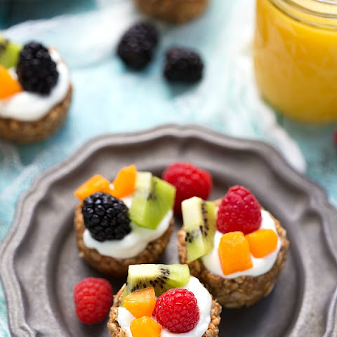 {No Bake} Healthy Breakfast Fruit Tarts