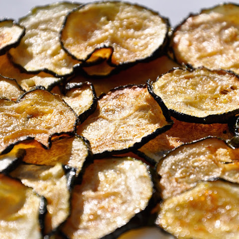 Garlic and Chilli Baked Zucchini Chips