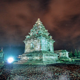 Candi Arjuna by Yamin Tedja - Buildings & Architecture Public & Historical ( hindu, indonesia, candi, arjuna, java, monument, historical )