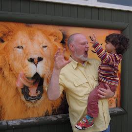 Roar by David Shaun Wright-Khan - People Family