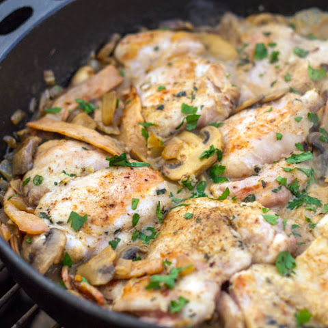 Skillet Chicken with Bacon & Mushroom Sauce