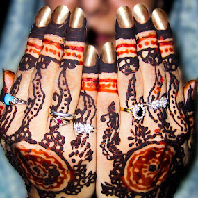 Praying Hands by Aamir Soomro - Wedding Details ( karachi, silver, henna, mehndi, pakistan, red, hands, blue, praying, pray, rings, nails, golden, black )
