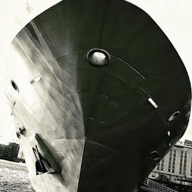 Yacht by Jonny Wood - Instagram & Mobile iPhone
