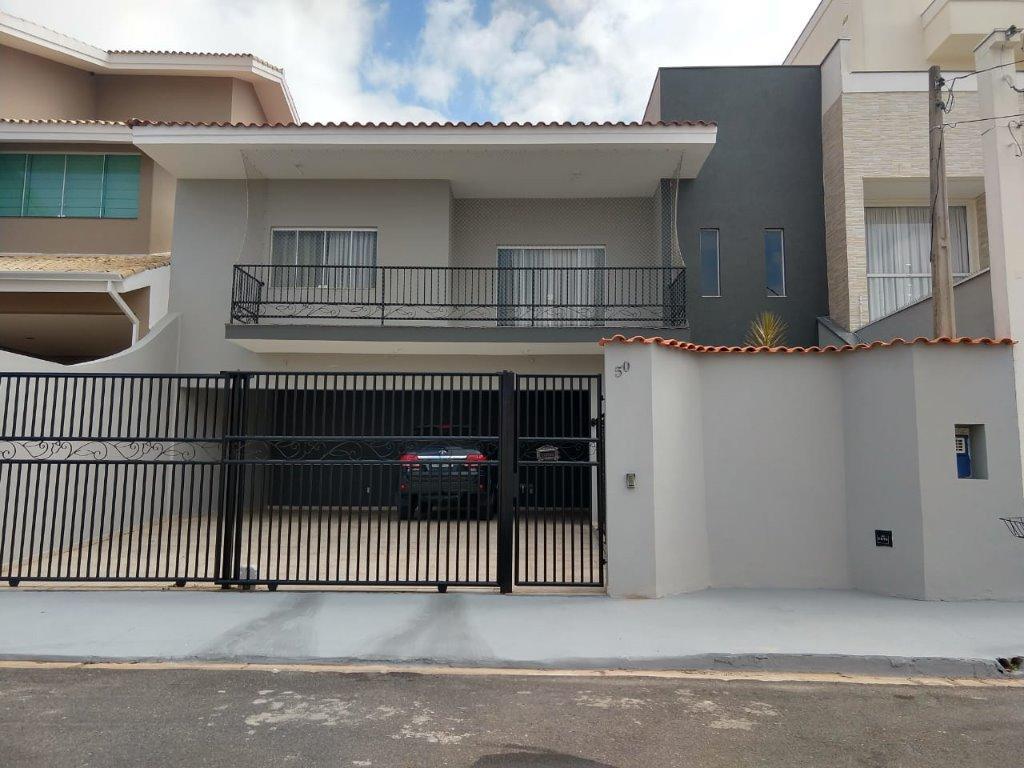 Sobrado com 3 dormitórios à venda por R$ 900.000 - Jardim Pagliato - Sorocaba/SP