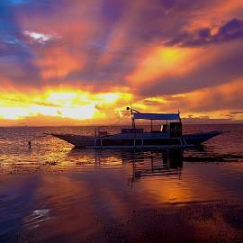 Malapascua Sunset by Sergei Tokmakov - Landscapes Waterscapes ( waterscape, sunset, sea, ocean, landscape )