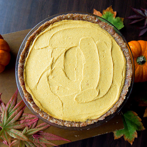 Almost Raw Pumpkin Pie (Vegan, Gluten-Free)
