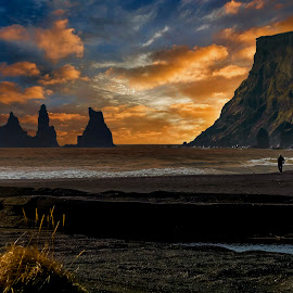 by Stephen Hooton - Uncategorized All Uncategorized ( iceland, places, seascape )