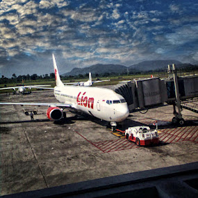 transit at SHIAM by Arif Cubenk - Instagram & Mobile Other ( mobilephoto, airport, cameraphone, mobile )
