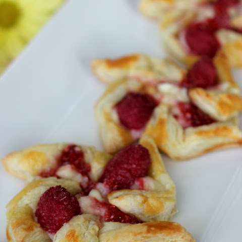 White Chocolate Raspberry Pinwheels