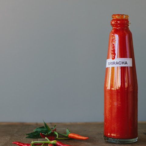 Homemade Sriracha Sauce (raw + Fermented)