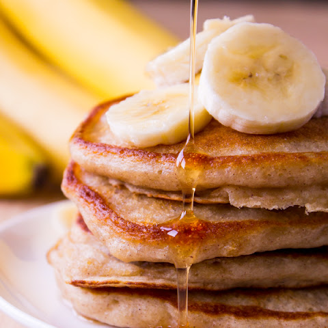 Light & Fluffy Banana Pancakes