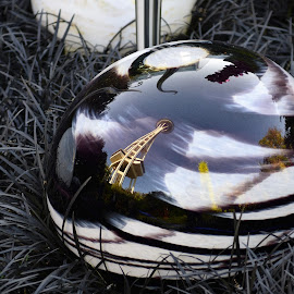 Seattle reflection by Hamish Hamilton - Artistic Objects Glass ( balls, tower, reflection, seattle, glass )