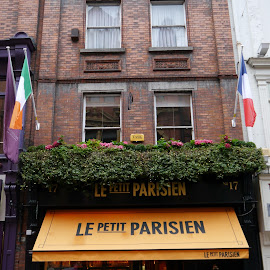 Le Petit Parisien by Jimmy Fitz - Novices Only Street & Candid ( ireland, dublin, french cafe, cafe, france )