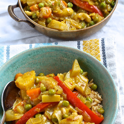 Pineapple Cashew Curry