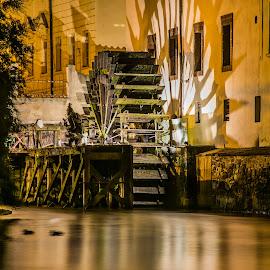 Praha - Čertovka by Milan Pastorek - Buildings & Architecture Public & Historical ( night photography, čertovka, prague )