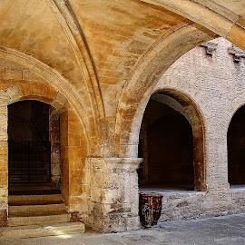 Un patio aux Baux de Provence by Gérard CHATENET - City,  Street & Park  Historic Districts