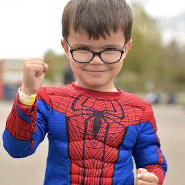 Little Spiderman by Marco Bertamé - Babies & Children Child Portraits ( red, glasses, blue, depht of filed, fist, spiderman, sdof )